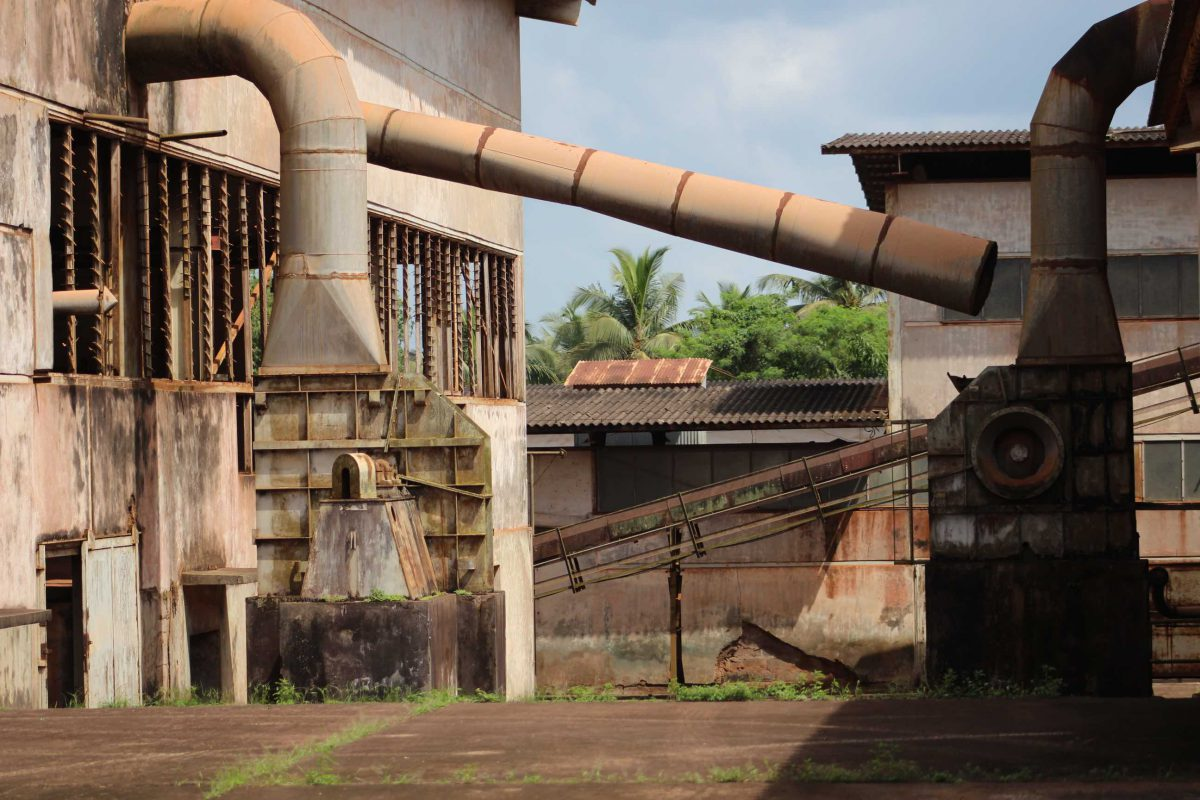 Selasi Awusi Sosu, Glass Factory II (Film still), 2019